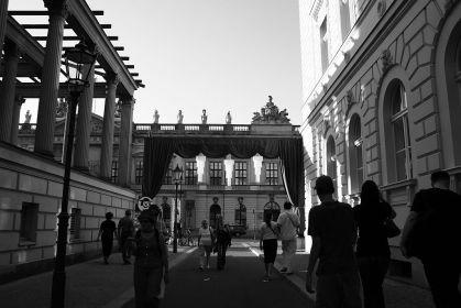 opernpalais.jpg